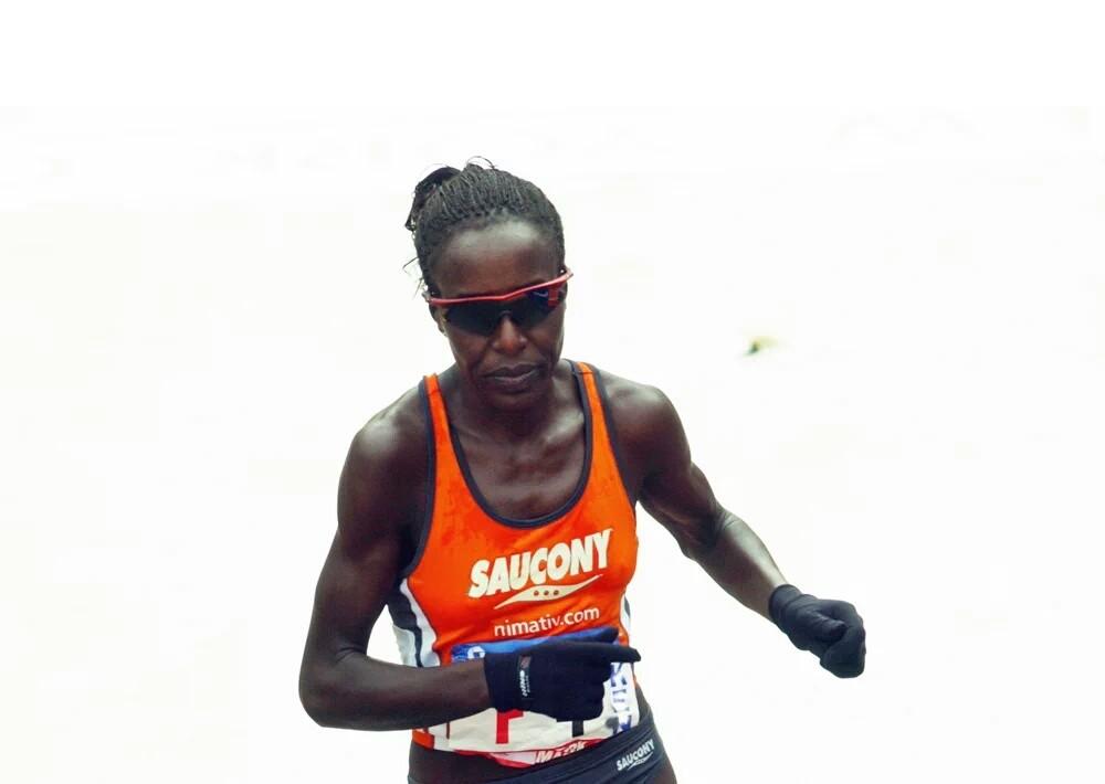בואו לרוץ עם אלופת העולם לורנה קיפלאגאט בשבת, 19.12.15