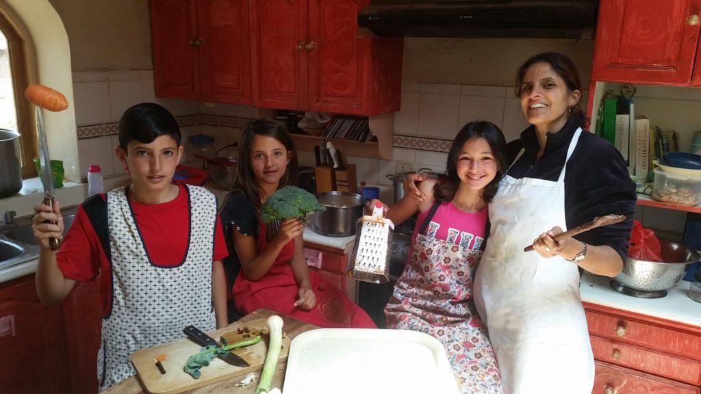אולטרה-מרתון משפחתי מסביב לעולם / כתבה 5 – התנדבות משפחתית בבית יתומים בפרו