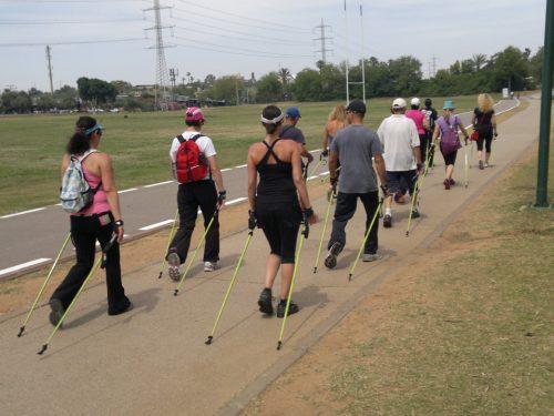 הליכה נורדית – הליכה ספורטיבית עם מקלות